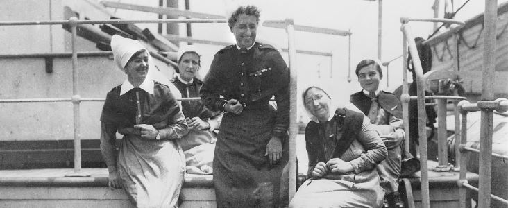 1919. FIVE AUSTRALIAN NURSING SISTERS ON BOARD TROOPSHIP ORVIETO RETURNING TO AUSTRALIA AFTER OVERSEAS