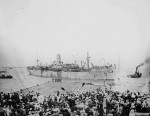 Troopship departing Port Phillip Bay Date 1915. Pictures Collection, State Library of Victoria.